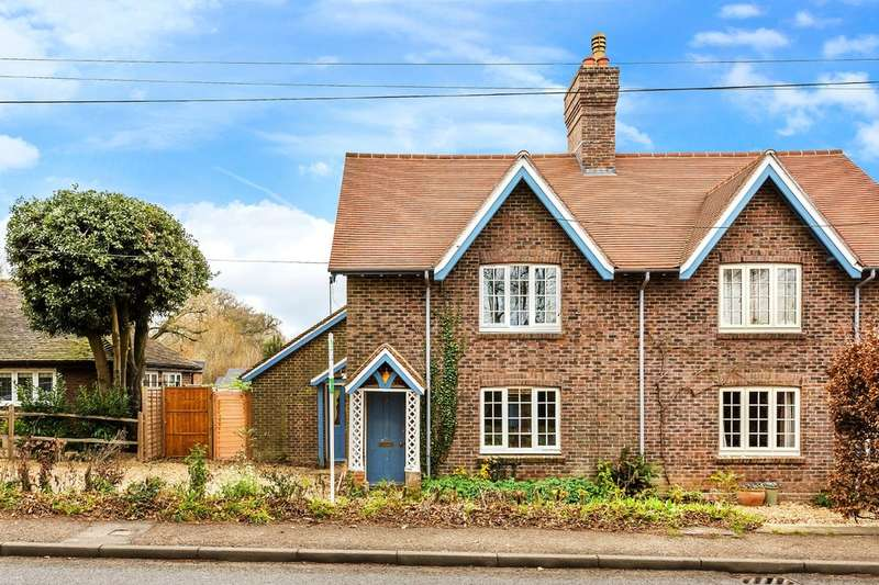 3 Bedrooms Semi Detached House for sale in Crabtree Cottages, Lower Beeding