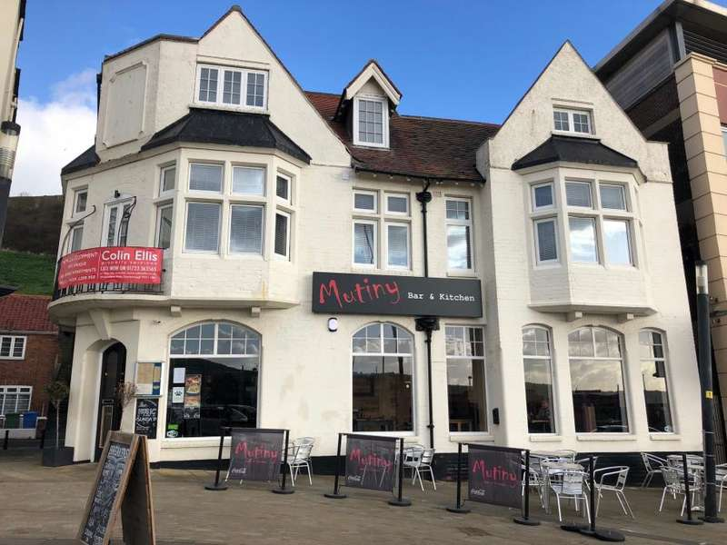2 Bedrooms Apartment Flat for sale in Apt 1 Quay View, Quay Street, Sandside, Scarborough, North Yorkshire YO11 1PL