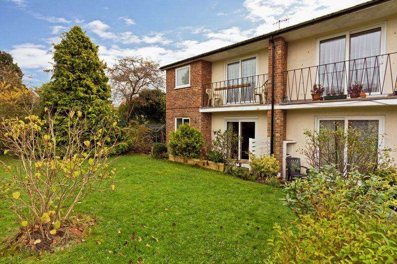 1 Bedroom Flat for sale in Fairlawn Drive, Worthing