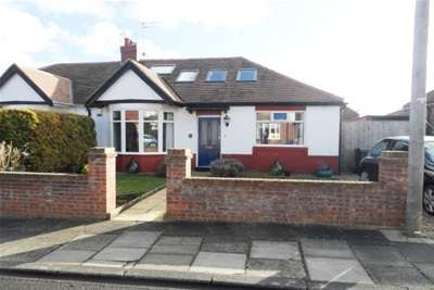 3 Bedrooms Bungalow for rent in Chatsworth Gardens, Whitley Bay