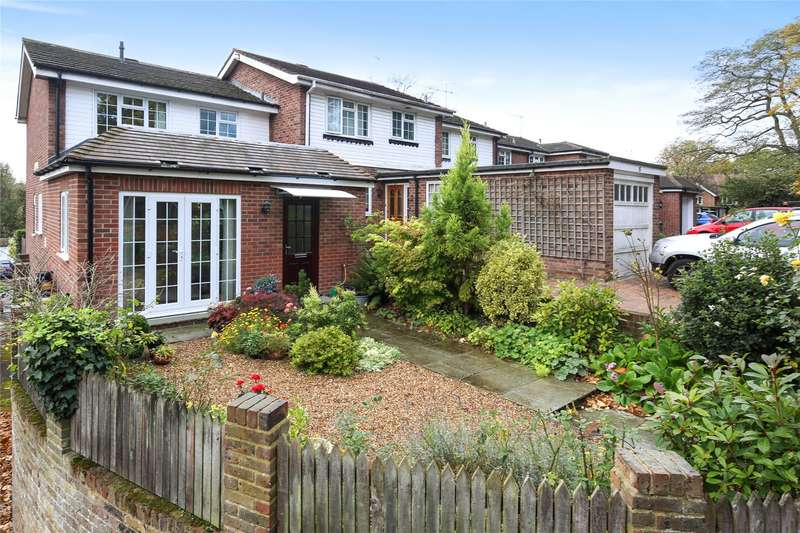 3 Bedrooms End Of Terrace House for sale in Julian Hill, Weybridge, Surrey, KT13