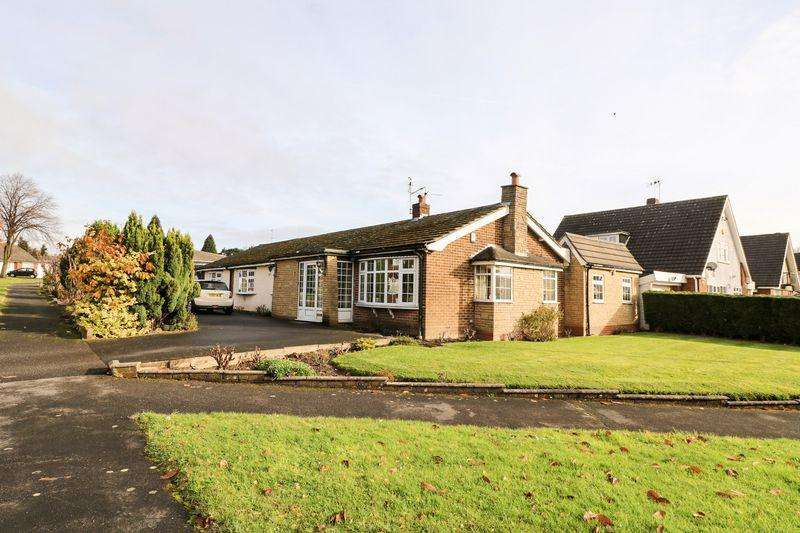 5 Bedrooms Detached Bungalow for sale in Gillity Close, Walsall