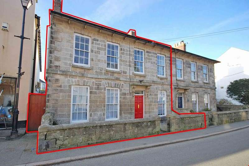 4 Bedrooms Town House for sale in St Columb, Cornwall , TR9