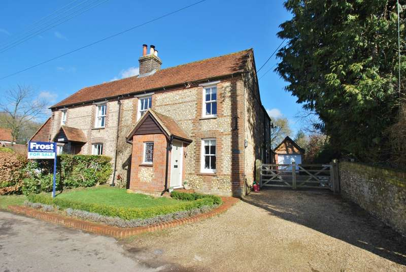 3 Bedrooms Semi Detached House for sale in Blue Ball Cottage, Asheridge, Chesham, HP5