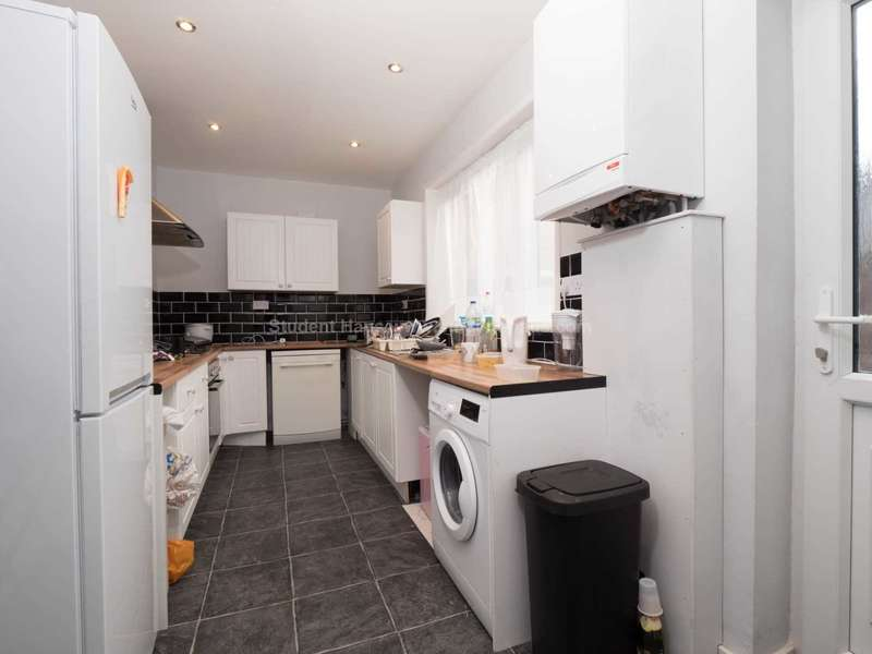 4 Bedrooms House for rent in Suffolk Street, Salford, M6 6DQ