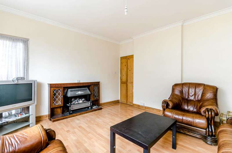 3 Bedrooms Flat for sale in Churchill Gardens, Pimlico, SW1V