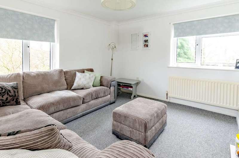 2 Bedrooms Flat for sale in Godalming, Farncombe, GU7