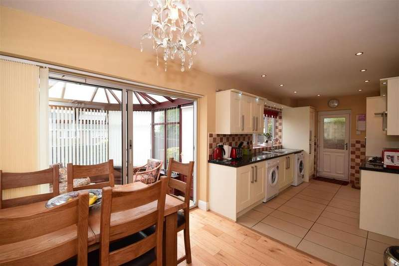 4 Bedrooms Semi Detached House for sale in Fernsway, Tunstall, Sunderland