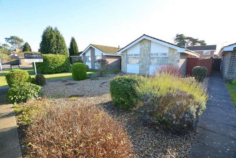 2 Bedrooms Detached Bungalow for sale in Mountbatten Drive, Ferndown