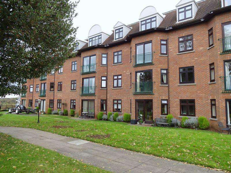 1 Bedroom Flat for sale in Austcliffe Lane, Cookley DY10 3RT