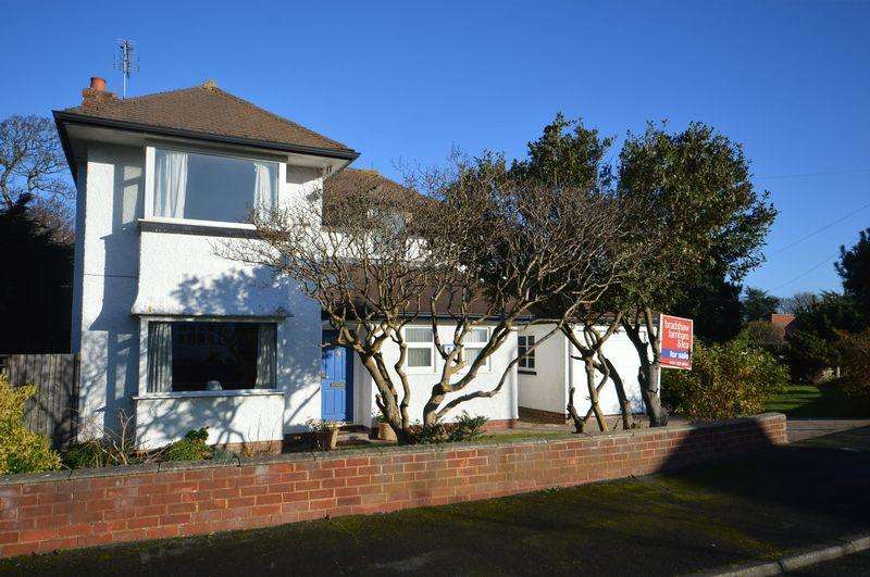 3 Bedrooms Detached House for sale in Kings Walk, West Kirby