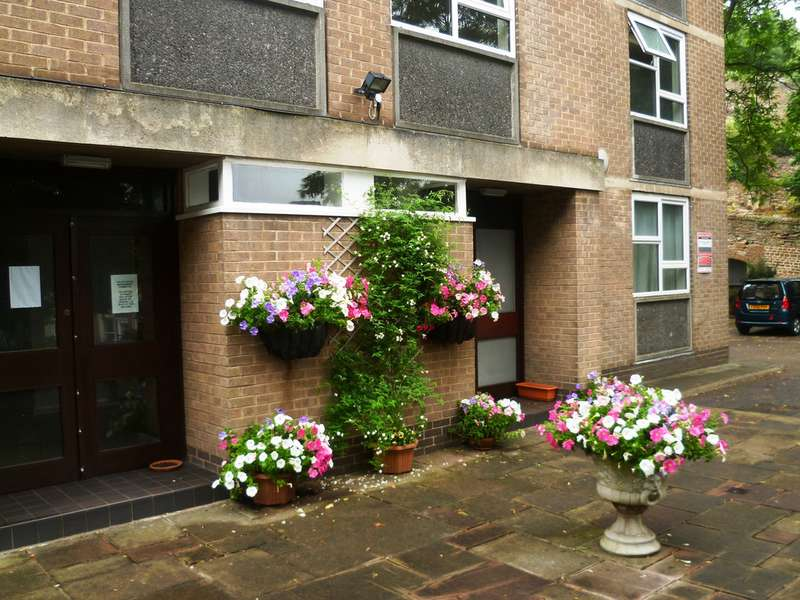 3 Bedrooms Apartment Flat for rent in Valley House, The Park NG7