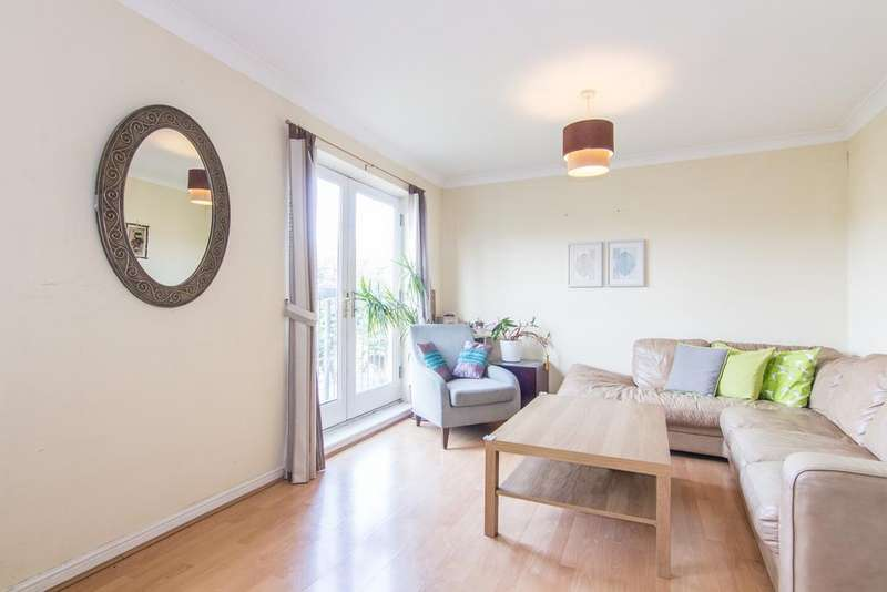 4 Bedrooms House for sale in Ballinger Way, Northolt