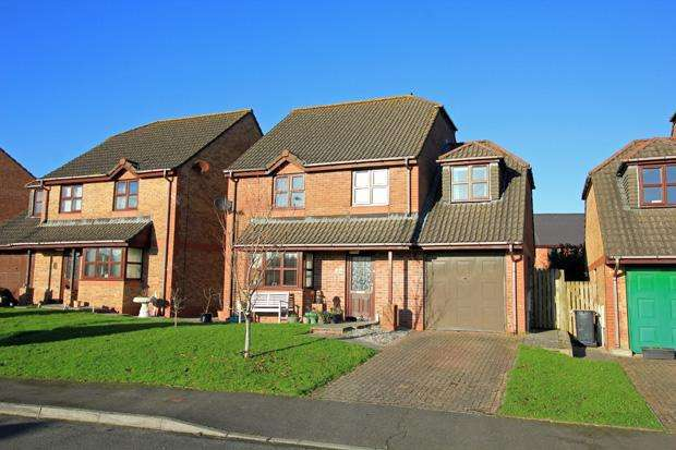 4 Bedrooms Detached House for sale in Rhodfa'r Gwendraeth, Kidwelly, Carmarthenshire