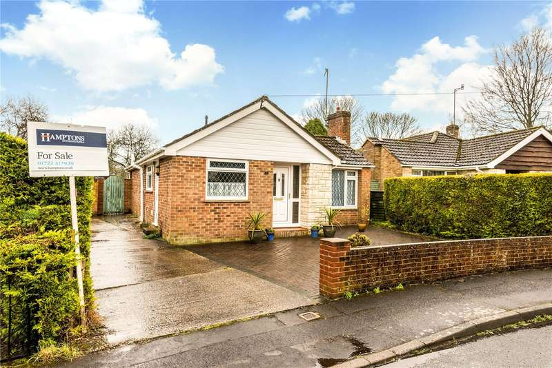3 Bedrooms Detached Bungalow for sale in Parkland Way, Porton, Salisbury, Wiltshire, SP4