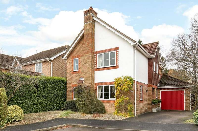 4 Bedrooms Detached House for sale in Campion Drive, Romsey, Hampshire, SO51