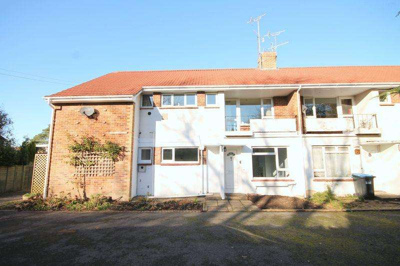 2 Bedrooms Maisonette Flat for sale in Appledore Court, Lindfield, West Sussex