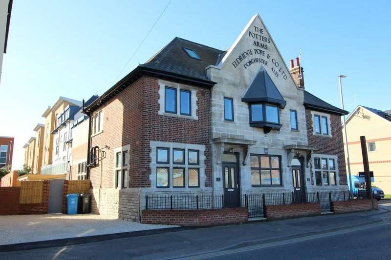 4 Bedrooms Semi Detached House for sale in Blandford Road, Poole