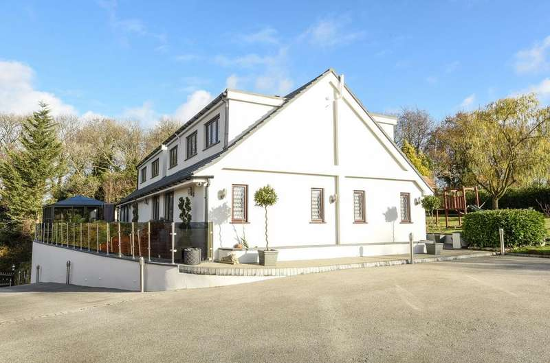 4 Bedrooms Detached House for sale in New Road Hill Downe BR6