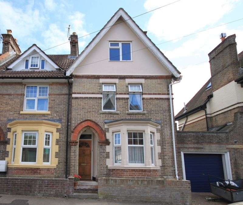 4 Bedrooms Property for sale in Dukes Avenue, Dorchester