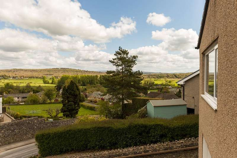 2 Bedrooms Detached Bungalow for sale in 15 Briery Bank, Arnside, Cumbria, LA5 0EF