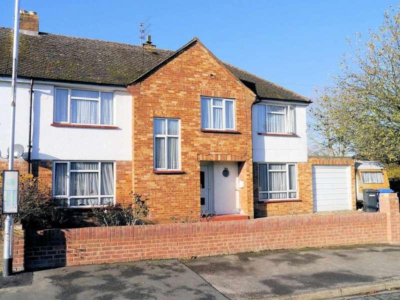 5 Bedrooms Semi Detached House for sale in Burnetts Road, Windsor SL4