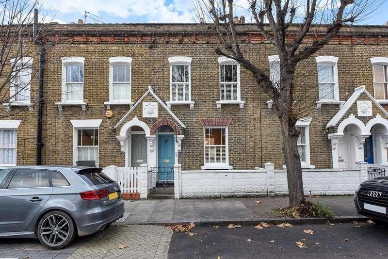 2 Bedrooms Terraced House for sale in Tyneham Road, Battersea