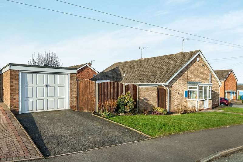 2 Bedrooms Semi Detached Bungalow for sale in Tennyson Road, Stafford, ST17