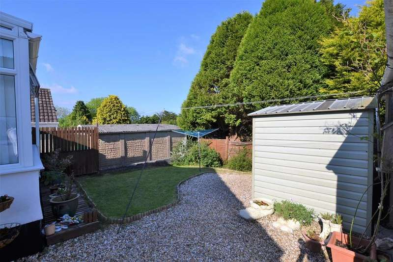 2 Bedrooms Detached Bungalow for sale in Hill Rise, Pentlepoir