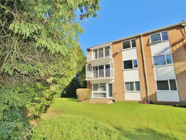 2 Bedrooms Flat for sale in 16a Dean Park Road, Dean Park, BOURNEMOUTH, Dorset