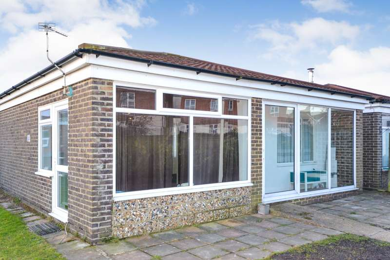 2 Bedrooms Detached Bungalow for sale in Shannon Way, Eastbourne, BN23