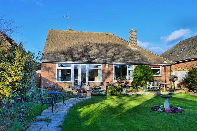 4 Bedrooms Chalet House for sale in Hartfield Road, Seaford, East Sussex