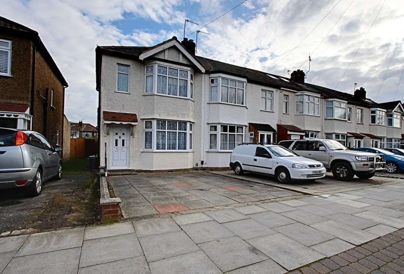 3 Bedrooms Property for sale in Churchbury Lane, Enfield