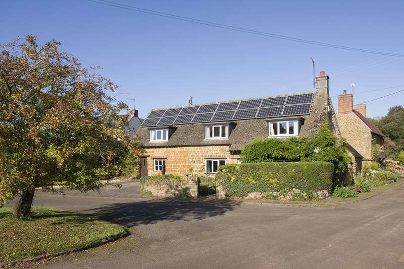 4 Bedrooms Cottage House for sale in Milcombe, Banbury