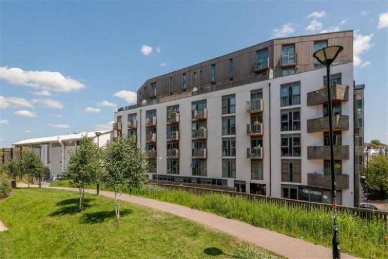 2 Bedrooms Flat for sale in New England Street, Brighton, BN1 4LS