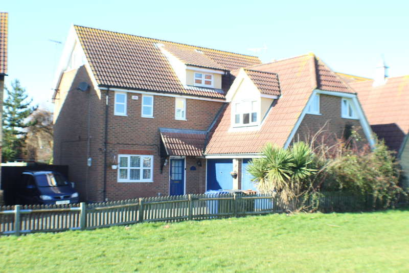 6 Bedrooms Detached House for sale in Juniper Drive, South Ockendon