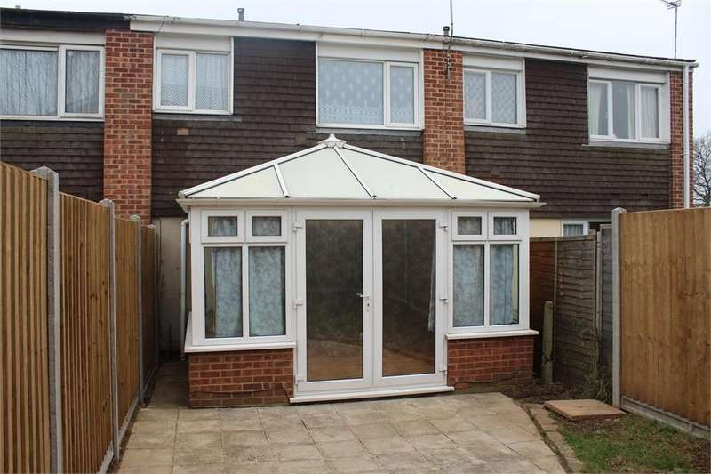 4 Bedrooms Terraced House for rent in Mendip Close, Slough, Berkshire