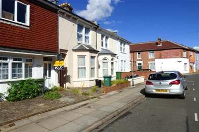 5 Bedrooms House for rent in Fawcett road, Southsea