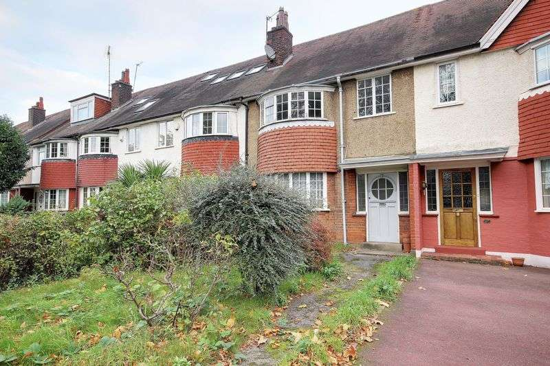 3 Bedrooms Property for sale in Park Avenue, Enfield