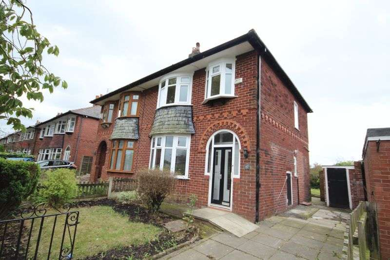 3 Bedrooms Property for sale in Hopwood Avenue Hopwood, Heywood