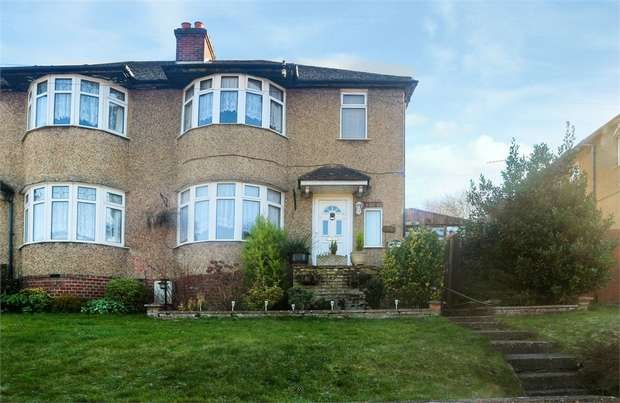 3 Bedrooms Semi Detached House for sale in Mill End Road, High Wycombe, Buckinghamshire
