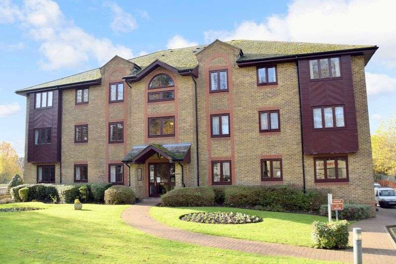 1 Bedroom Property for sale in Somers Place, Reigate, RH2 9NF