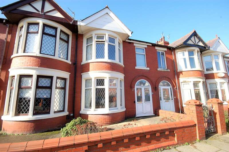 3 Bedrooms Terraced House for sale in Roselyn Avenue, Blackpool