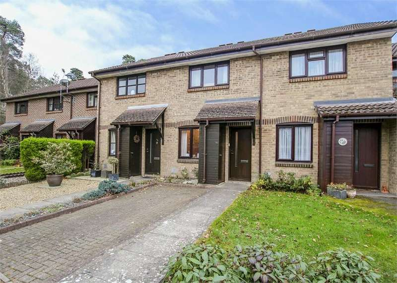 2 Bedrooms Terraced House for sale in Fordwells Drive, The Warren, Bracknell, Berkshire