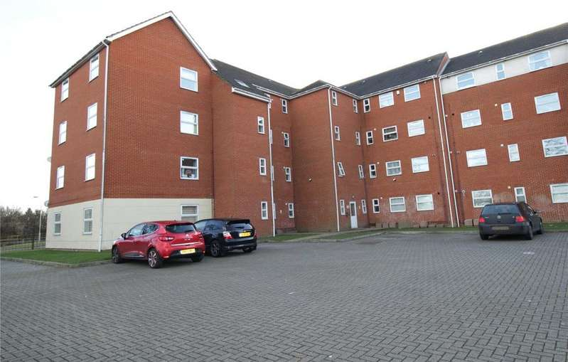 2 Bedrooms Apartment Flat for sale in Timberlog Place, Clay Hill Road, Basildon, Essex, SS16
