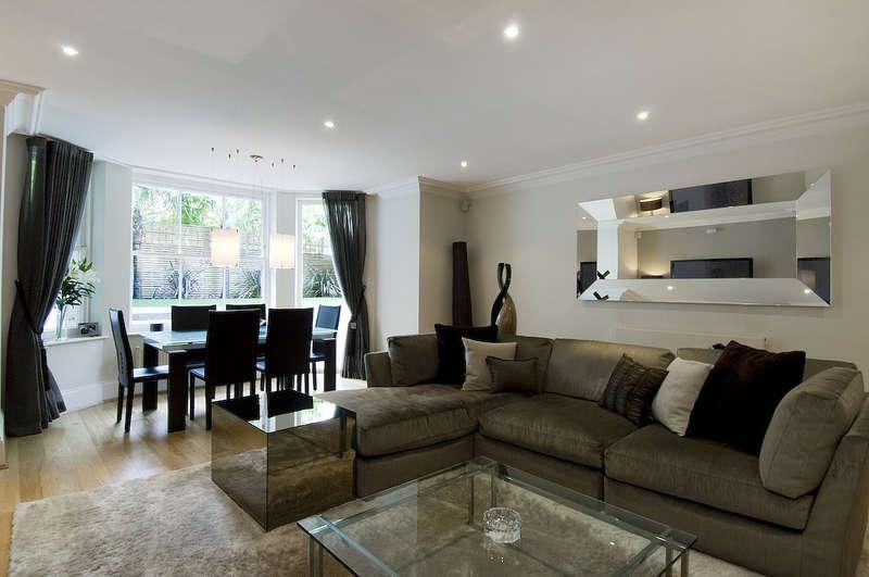 3 Bedrooms Flat for sale in Belsize Park, Belsize Village