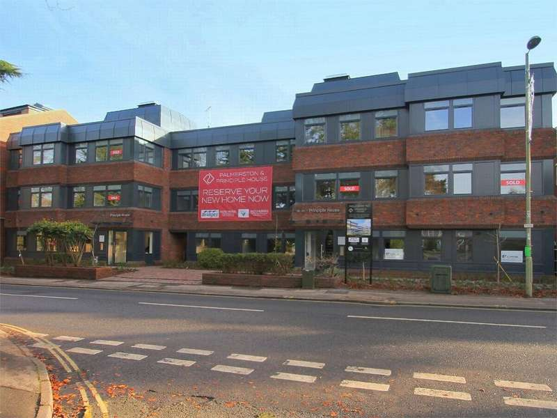 2 Bedrooms Flat for sale in 115-123 Fleet Road, Fleet, Hampshire GU51 3PD