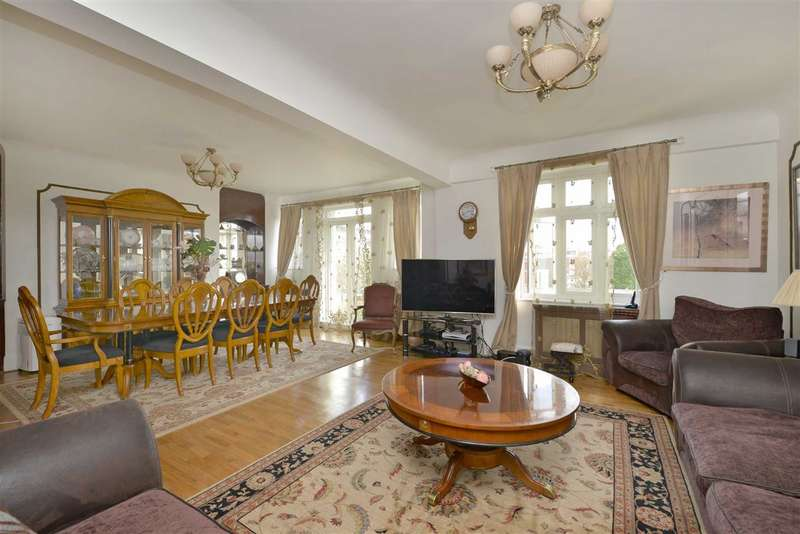 4 Bedrooms Flat for sale in Grove Hall Court, London, NW8