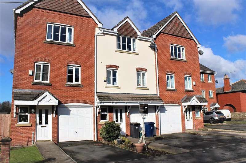 3 Bedrooms Town House for sale in Shop Lane, Higher Walton, Preston