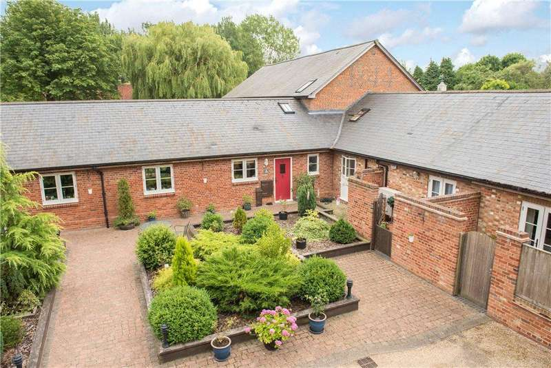 2 Bedrooms Barn Conversion Character Property for sale in The Walled Garden, Wing Road, Cublington, Buckinghamshire
